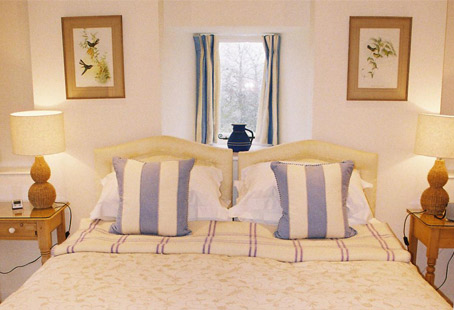 Cotswolds Self-Catering Cottage with late availability
